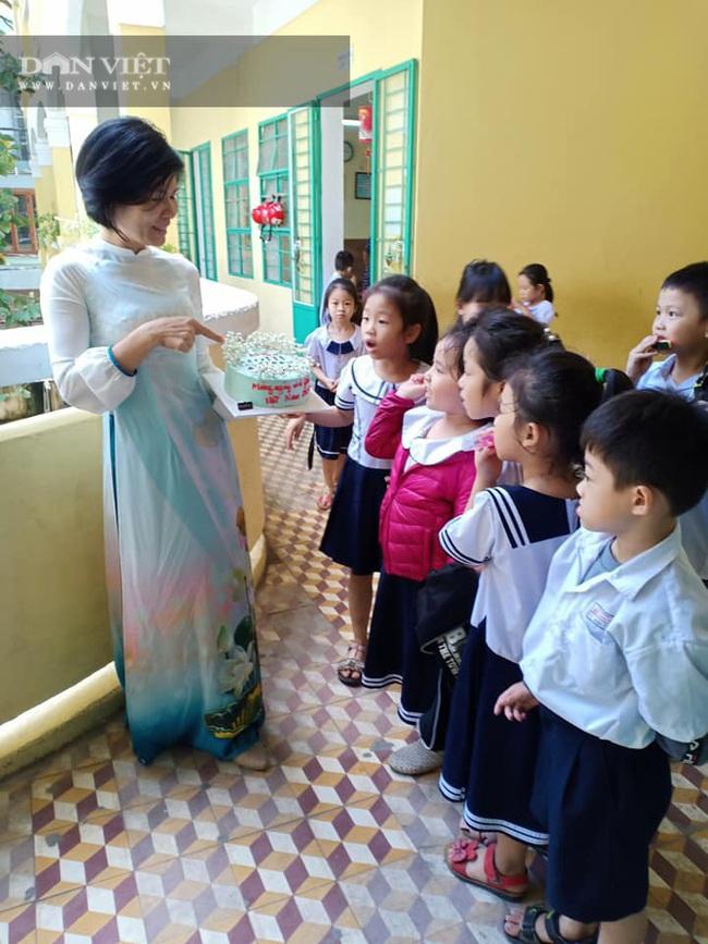 Chia sẻ cực hay của cô Hiệu phó trường tiểu học: Ba mẹ cần làm gì để con tự tin vào lớp 1? - Ảnh 1.