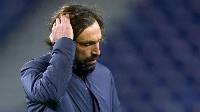 Pirlo đối mặt với án sa thải vào cuối mùa.