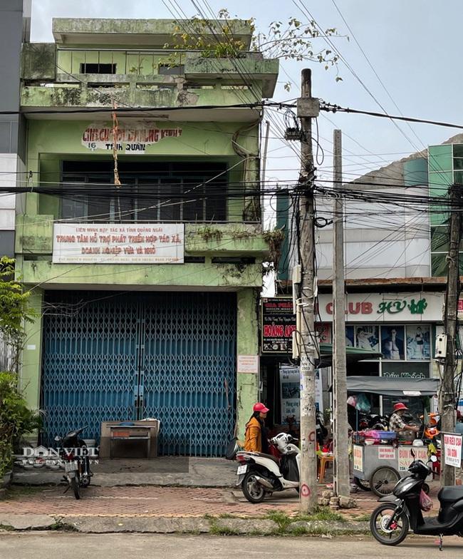 Quảng Ngãi: Nhà công sản trị giá nhiều tỷ/căn bỏ hoang ngay trung tâm thành phố  - Ảnh 1.