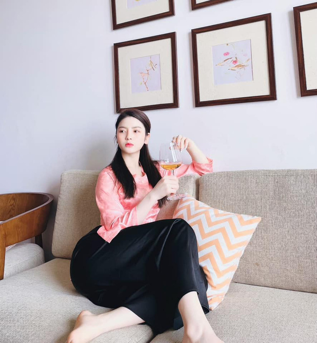 Đây! Lý do bạn gái tin đồn của Quang Hải dáng đẹp như hoa hậu - Ảnh 8.