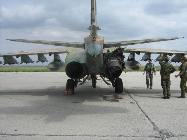 Su-25 thành công rực rỡ ở Trung Đông, xứng đáng thay thế cho Su-22 Việt Nam - Ảnh 10.
