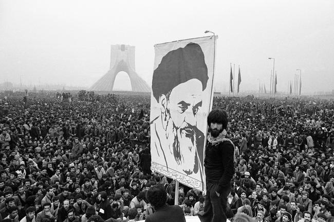 """Từ chỗ """"thân thiết"""", vì sao Mỹ và Iran """"từ mặt nhau"""", căng thẳng suốt hơn 40 năm qua - Ảnh 7."""