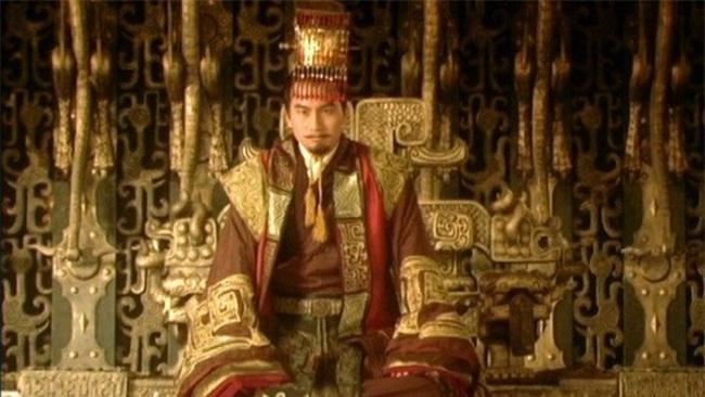 """2 Hoàng đế cùng """"điên đảo"""" vì nàng kỹ nữ xinh đẹp - Ảnh 1."""