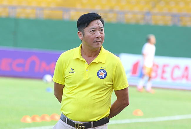 HLV Lê Huỳnh Đức nói lời gan ruột trước khi rời SHB Đà Nẵng - Ảnh 1.
