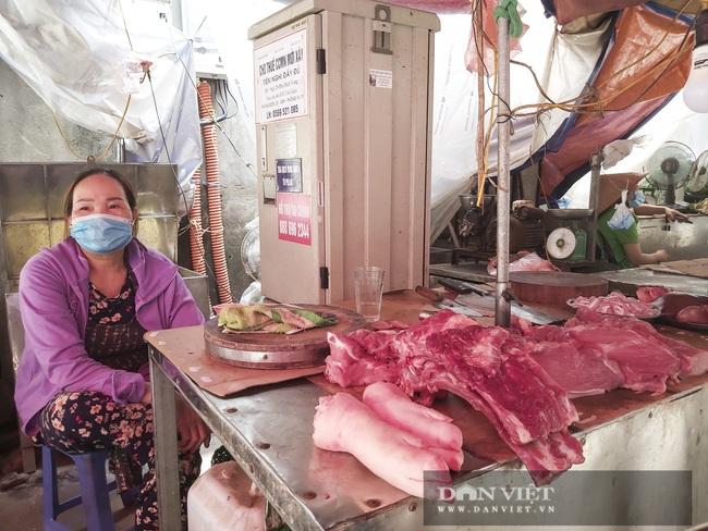 """Hà Nội: Dịch bệnh Covid-19 """"tái xuất"""", thịt heo mảnh tiêu thụ chậm, tiểu thương ngán ngẩm - Ảnh 2."""