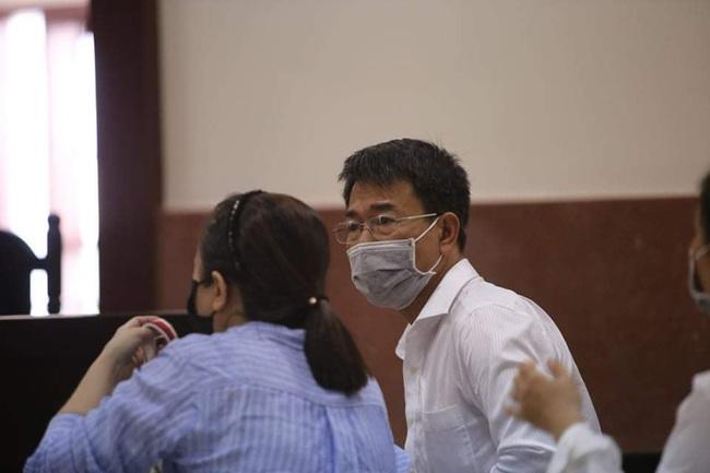 TP.HCM: Hoãn phiên xét xử phúc thẩm cựu Phó Chánh án TAND quận 4 - Ảnh 1.