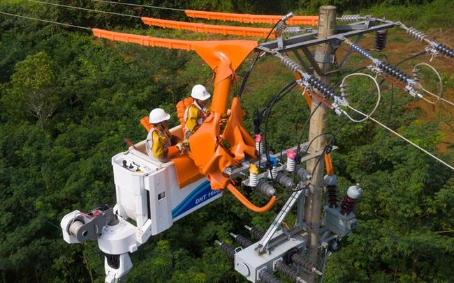 EVN đảm bảo cung cấp điện an toàn, ổn định kỳ nghỉ lễ 30/4-1/5 - Ảnh 1.