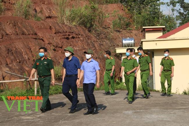 Mai Châu chỉ đạo khẩn trương triển khai các giải pháp phòng chống Covid-19 - Ảnh 3.