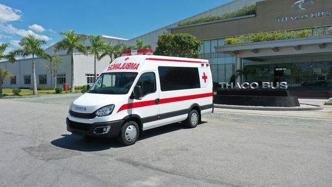 THACO TRAO TẶNG THÀNH PHỐ HÀ NỘI 300.000 KIT TEST NHANH KHÁNG NGUYÊN SARS-CoV-2 VÀ 30 XE CỨU THƯƠNG - Ảnh 1.