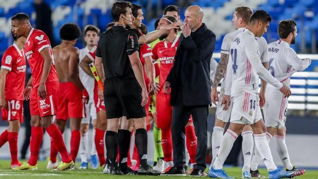 Real Madrid hòa thất vọng trước Sevilla.