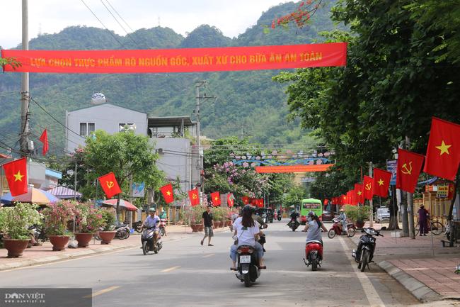 Mai Châu chuẩn bị tốt cho công tác bầu cử Hội đồng nhân dân các cấp - Ảnh 2.