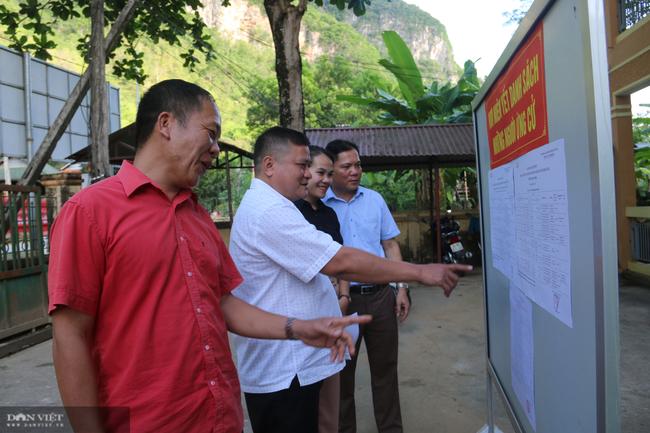 Mai Châu chuẩn bị tốt cho công tác bầu cử Hội đồng nhân dân các cấp - Ảnh 6.