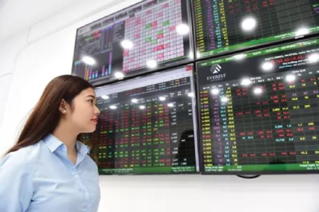 Dòng vốn ETF vào thị trường chứng khoán Việt trong tháng 4 cao hơn cả vốn vào Trung Quốc - Ảnh 1.