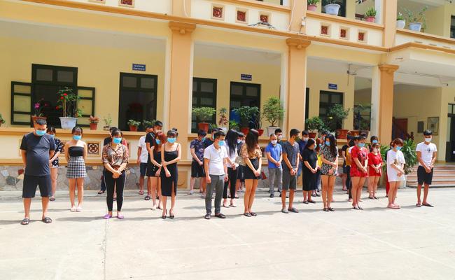 Bắc Ninh: Khởi tố vụ án liên quan 33 thanh niên hát karaoke trong mùa dịch Covid-19 - Ảnh 1.
