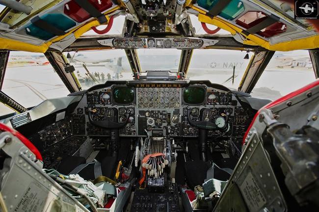 Bên trong khoang lái của B-52: Oanh tạc cơ gần 70 tuổi đã lột xác? - Ảnh 10.