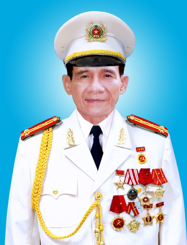 """Kế hoạch ám sát Ngô Đình Diệm cùng khẩu tiểu liên MAT-49 cưa nòng của Đại tá """"Mười Thương""""  - Ảnh 1."""