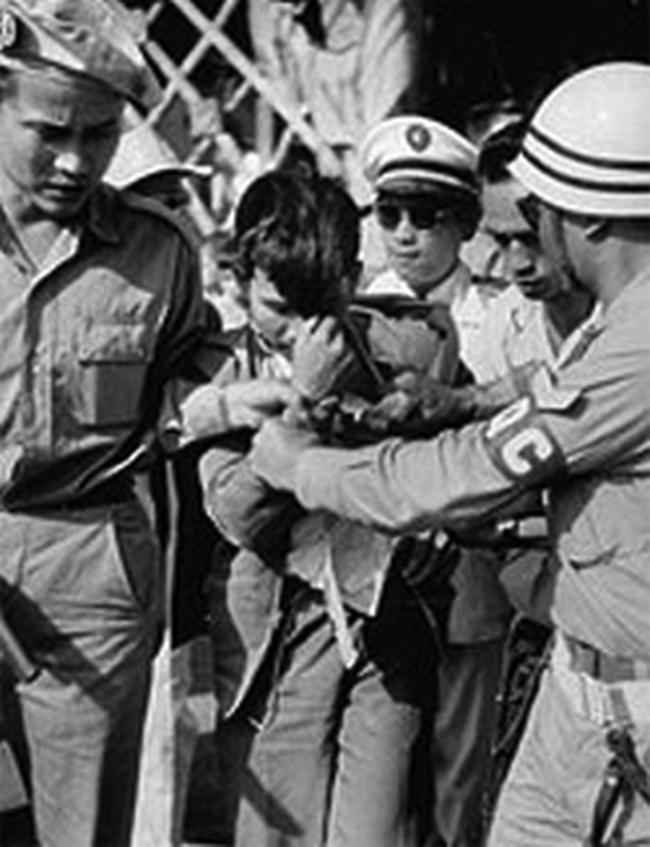 """Kế hoạch ám sát Ngô Đình Diệm cùng khẩu tiểu liên MAT-49 cưa nòng của Đại tá """"Mười Thương""""  - Ảnh 3."""