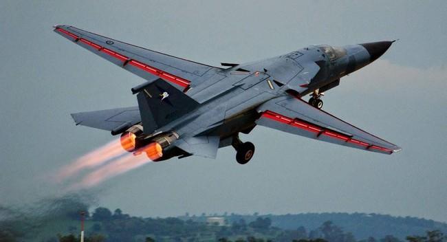 """""""Mãnh thú ném bom"""" F-111 Mỹ bị chôn vùi gây sốc ở Australia - Ảnh 11."""