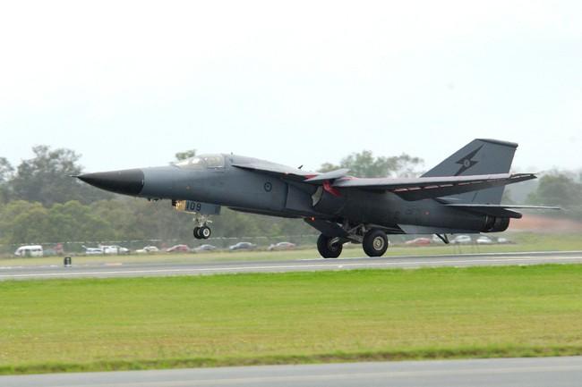 """""""Mãnh thú ném bom"""" F-111 Mỹ bị chôn vùi gây sốc ở Australia - Ảnh 23."""