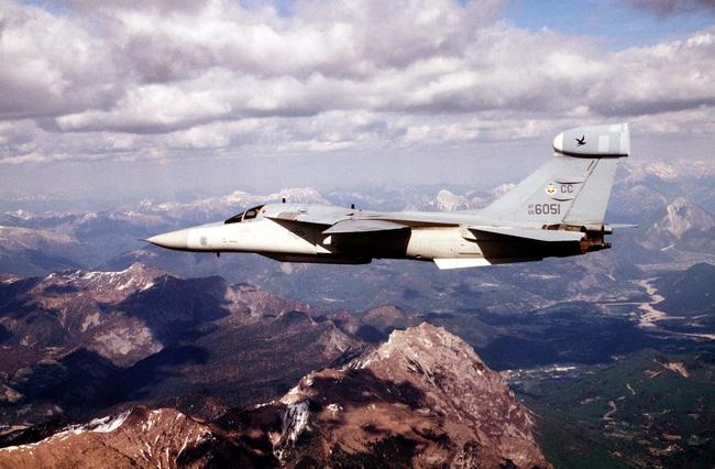 """""""Mãnh thú ném bom"""" F-111 Mỹ bị chôn vùi gây sốc ở Australia - Ảnh 27."""