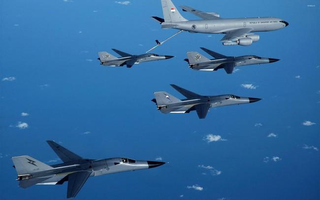 """""""Mãnh thú ném bom"""" F-111 Mỹ bị chôn vùi gây sốc ở Australia - Ảnh 35."""