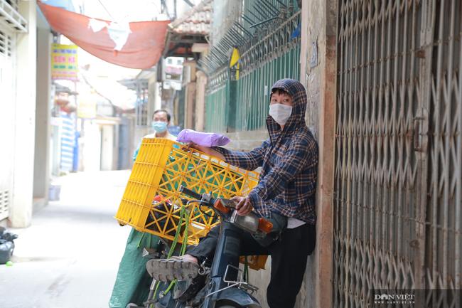 Hà Nội: Hàng quán bán hàng mang về, dịch vụ ship đồ ăn tận nhà được mùa nở rộ - Ảnh 5.