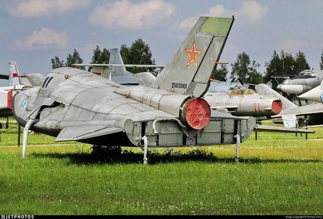 """MiG-105 Liên Xô có """"bản nhái"""" là máy bay vũ trụ X-37B tuyệt mật của Mỹ? - Ảnh 11."""