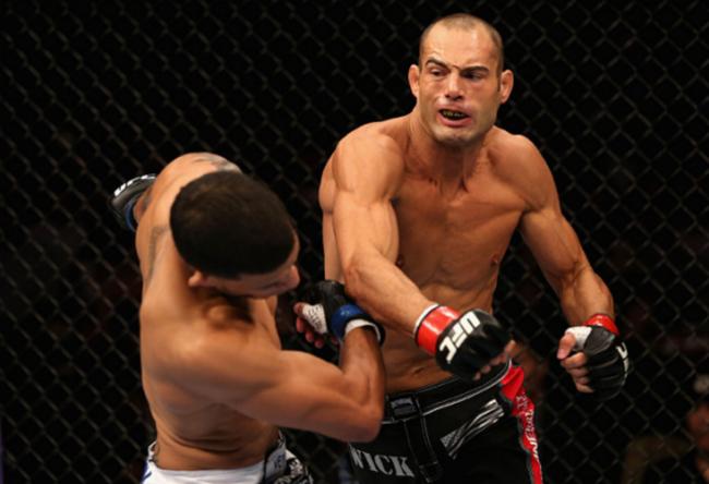 Clip: Nhà sư Thiếu lâm hạ cao thủ MMA người Mỹ bằng... 1 cú đá - Ảnh 2.