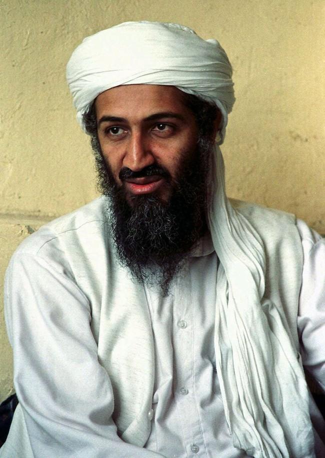 Đột kích nơi ẩn náu trùm khủng bố Osama bin Laden, phát hiện điều sốc - Ảnh 2.