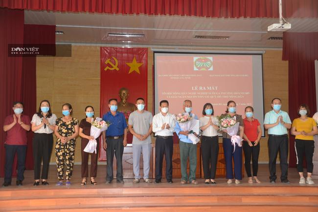 """Một ngày giải hơn 1 tỷ đồng, nông dân Quảng Ninh """"vỡ òa"""" khi nhận vốn vay  - Ảnh 4."""