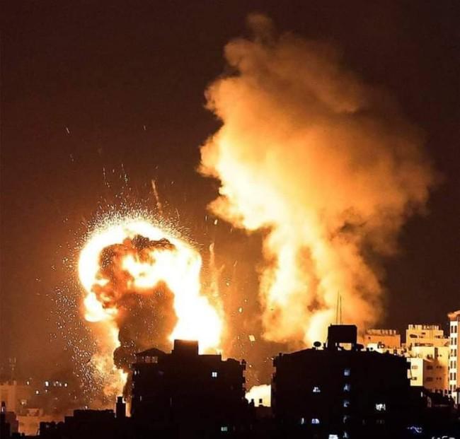 450 quả bom trút xuống trong 35 phút: Thủ đoạn tinh vi của Israel để đánh lừa Hamas - Ảnh 1.