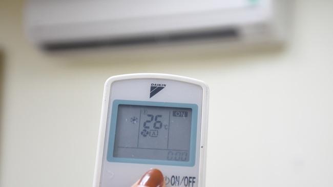 EVNHANOI khuyến nghị khách hàng sử dụng thiết bị tiết kiệm điện - Ảnh 3.