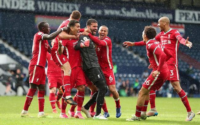 Liverpool ăn mừng phấn khích ở trận thắng West Brom vừa qua.