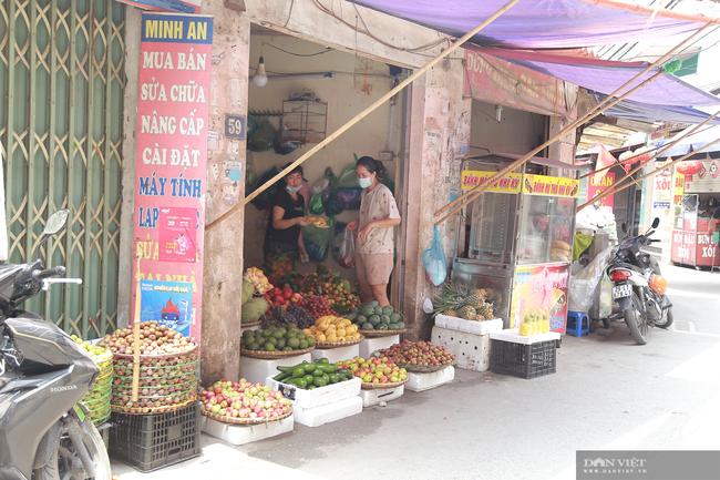 Chợ cóc vẫn hoạt động rầm rộ sau khi Hà Nội ban hành lệnh cấm để chống dịch COVID-19 - Ảnh 5.