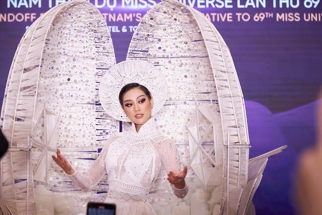 """Hoa khôi bóng chuyền Nguyễn Thu Hoài khiến NHM """"giật mình"""" - Ảnh 1."""