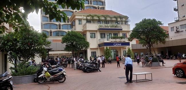 Covid-19 tại TP.HCM: Bệnh nhân 4514 đến 2 bệnh viện, cách ly 26 nhân viên y tế - Ảnh 1.