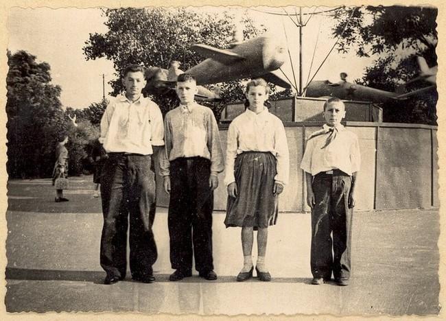 Hai bức ảnh hiếm về Bác Hồ tại Kiev do một học sinh trường làng chụp mùa hè 1959 - Ảnh 3.