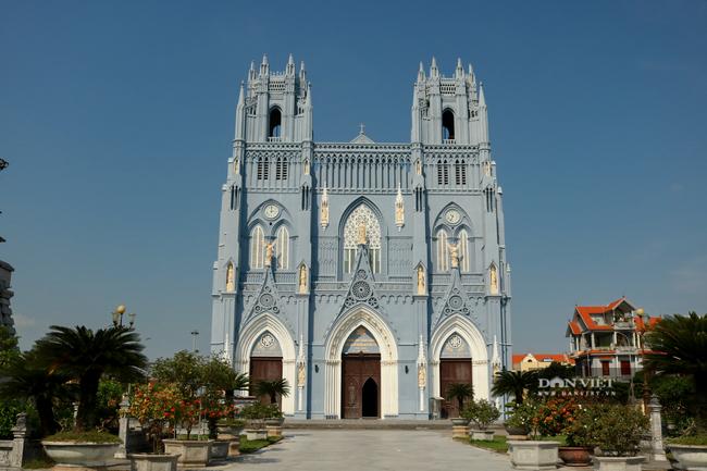 Nhà thờ 3.png