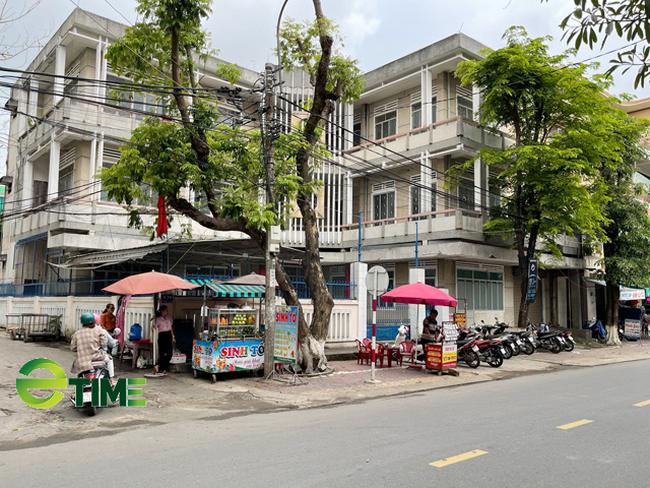 Quảng Ngãi: Chủ tịch tỉnh lệnh thu hồi 25 nhà, đất công sản bỏ hoang, để trống ở thành phố  - Ảnh 1.