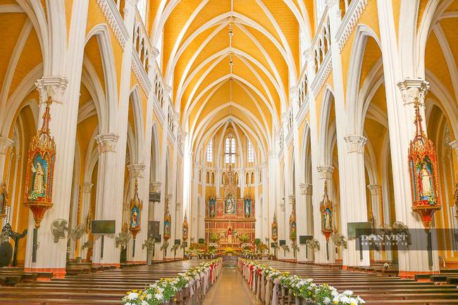 Nhà thờ 1.jpg
