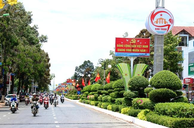 Ninh Thuận: Xứ nắng Phan Rang rực rỡ chờ ngày hội lớn - Ảnh 1.