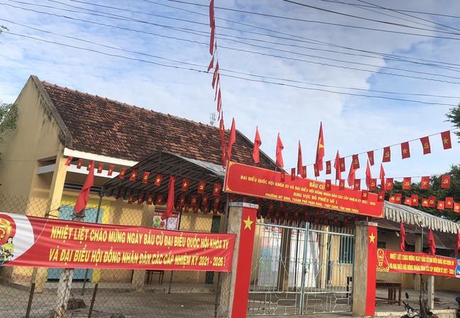 Phố biển Phan Rang - Tháp Chàm rực rỡ cờ hoa chờ ngày hội lớn 23/5 - Ảnh 14.
