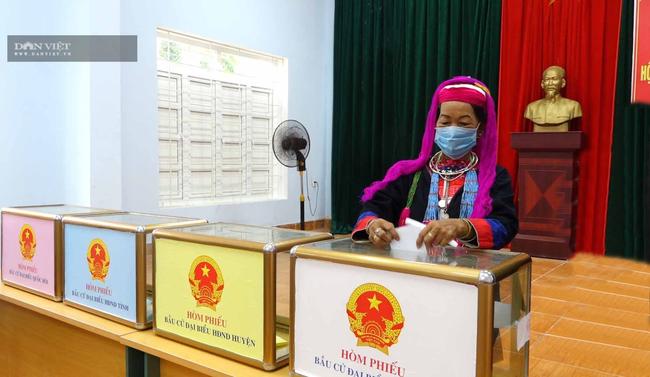 Người Dao ở Ba Chẽ đi bầu cử - Ảnh 6.