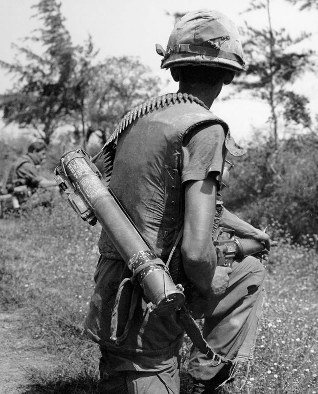 """Sự """"bất lực"""" của súng chống tăng M72 Mỹ ở chiến trường Việt Nam - Ảnh 1."""