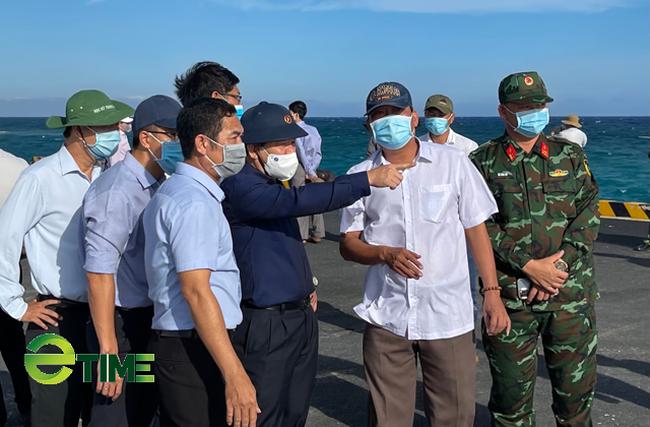 Quảng Ngãi: Bác kiến nghị giao quyền quản lý 3 công trình cảng cho huyện Lý Sơn   - Ảnh 4.