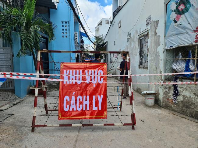 Đề xuất giãn cách xã hội 6 phường tại TP.HCM theo chỉ thị 16 - Ảnh 3.