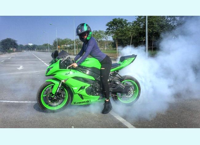 Người mẫu mê xe mô tô phân khối lớn Khánh Linh - Ảnh 6.
