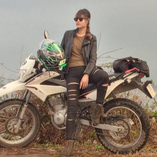 Người mẫu mê xe mô tô phân khối lớn Khánh Linh - Ảnh 4.