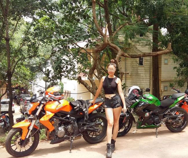 Người mẫu mê xe mô tô phân khối lớn Khánh Linh - Ảnh 2.