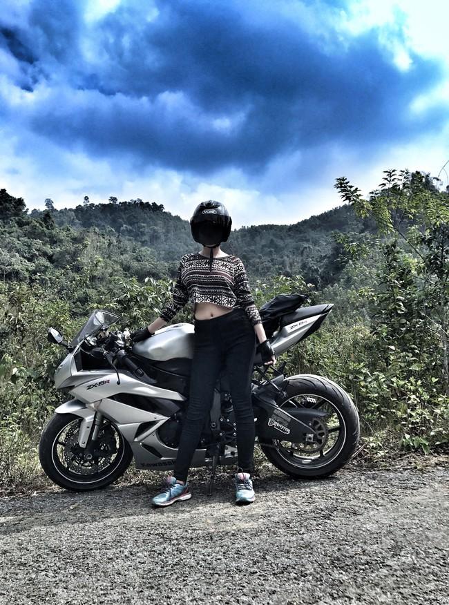 Người mẫu mê xe mô tô phân khối lớn Khánh Linh - Ảnh 12.